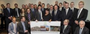 20160303, Brussel. In het Sofitel wordt de 'International Green Deal on the North Sea resources roundabout' officieel ondertekend door alle deelnemende ministers en bedrijfsleiders.